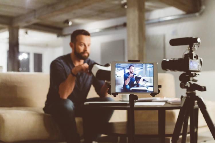 blogs-emprendedores-blogger-grabando-video