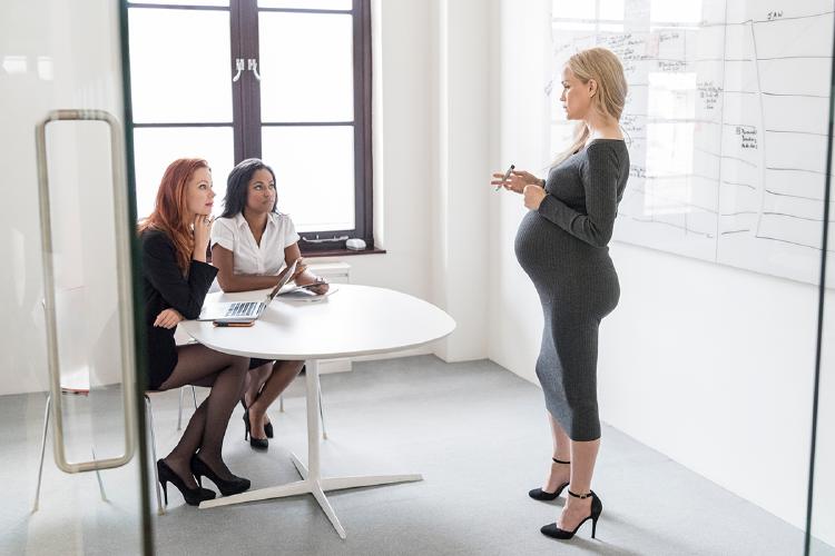 embarazada-empleada-permiso-maternidad