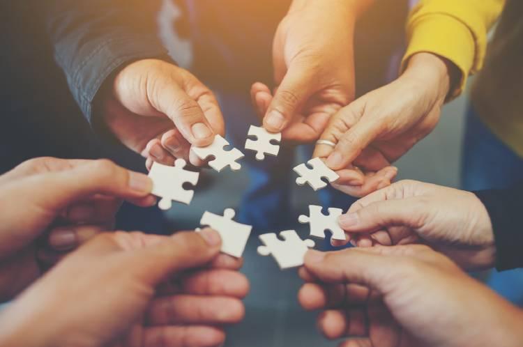economia-colaborativa-piezas-puzzle