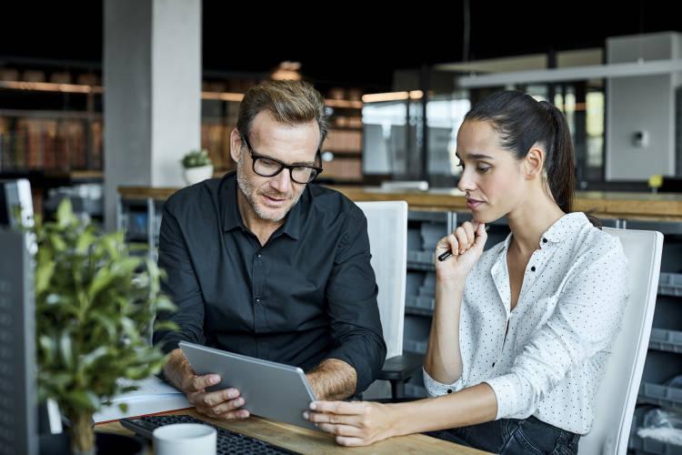 empresarios-apps-tablet-movil-emprender