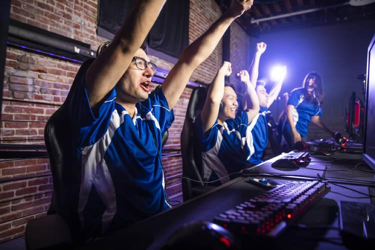 gamers-esports-empresa-trabajadores