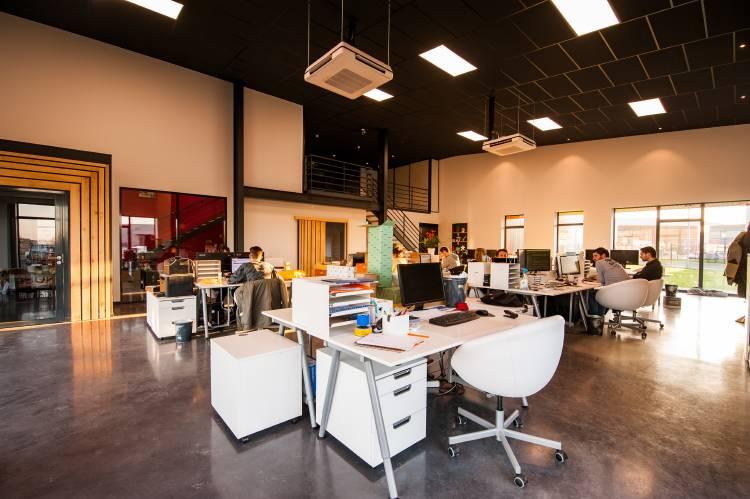 oficina-luz-servicios-empresa.