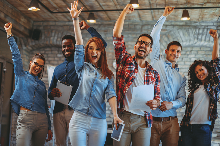 empleados-felices-buena-reputacion-corporativa